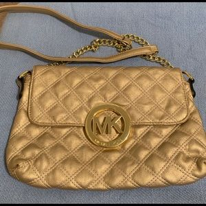 Gorgeous quilted cross body